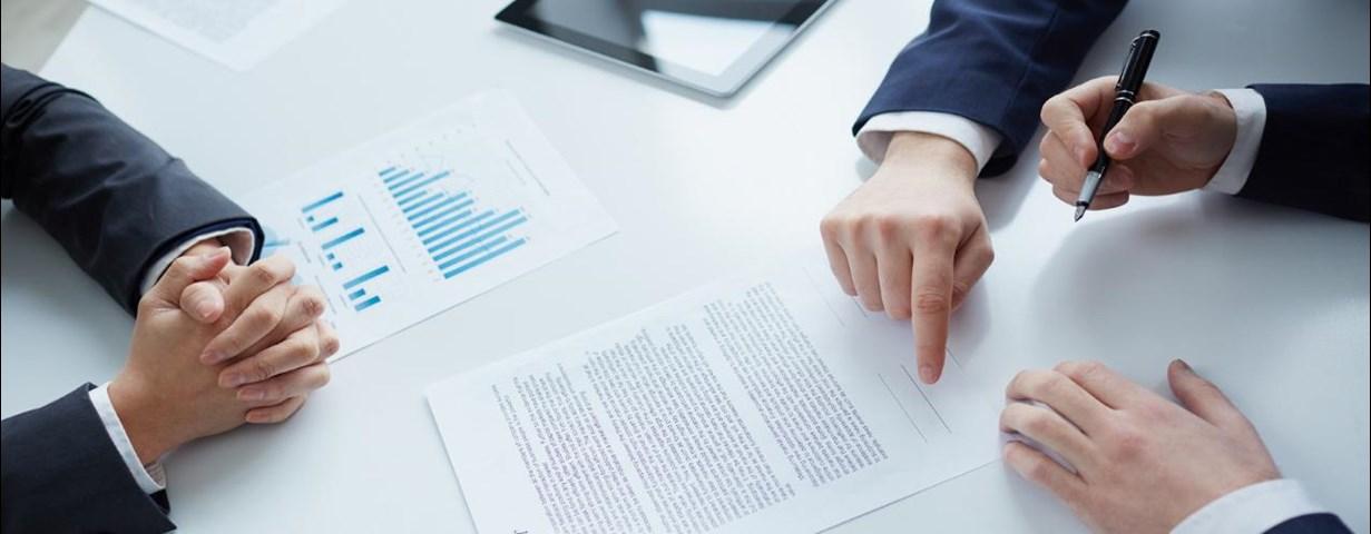 Ansættelseskontrakt - Regler, udlevering, eksempel | Lønguiden